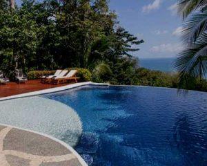 Construção de piscina infinita
